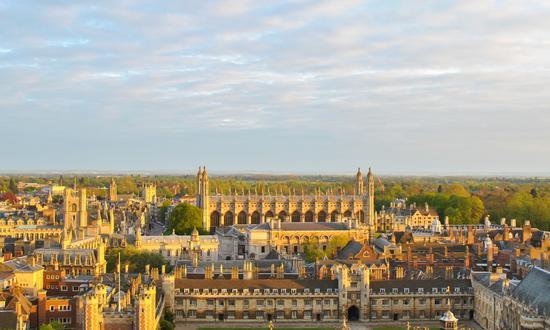 资料图:牛津大学 图片来源:bdsklo/Getty Images/iStockphoto